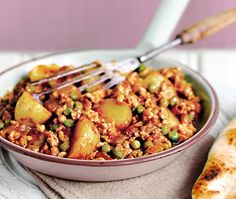 Indian style turkey mince  Turkey mince in sauce with potatoes and peas