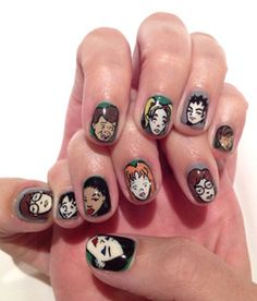 Katy Perry's Daria-inspired nail art. Annnnd scene.