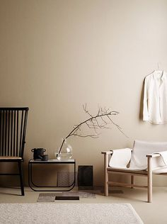 minimalist home design Beige Tan Living Room With Black Accents Swedish Interiors, Colorful Interiors, Earth Tone Decor, Beige Room, Beige Walls Bedroom, Interior Minimalista, Furniture Upholstery, Paint Upholstery, Upholstery Repair