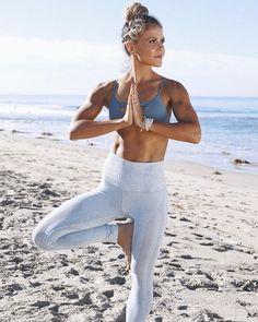 Katrina Scott from Tone It Up is serious fitness body goals. Katrina Scott von Tone It Up ist ein ernstes . Fitness Motivation, Fitness Goals, Fitness Tips, Sport Motivation, Tone It Up, Yoga Fitness, Katrina Scott, Model Training, Look Body