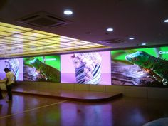 China P6 SMD Wall Mounted LED Display , 32*32 Pixels Indoor Full Color LED Screen supplier