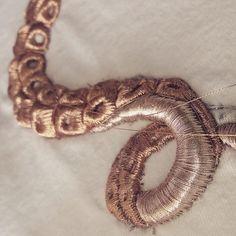 #submarina707 #emroidery #embroideryprocess #goldwork #tentacles #emroidery #necklace #вышивка #золотоешитье