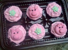 Piggy cupcakes theme