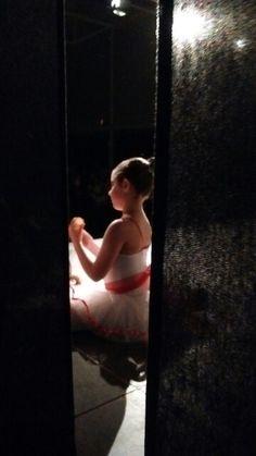 """Artistas invitadas al espectáculo """"Amb la música als peus"""" junto la Colla Dolça Tardor. Kitri, Coppélia y Bon Jovi."""