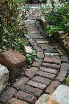 Brick Path, Brick Garden, Garden Paths, Garden Beds, Narrow Garden, Path Ideas, Path Design, Outdoor Settings, Backyard Landscaping