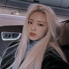 Jungkook Aesthetic, Kpop Aesthetic, Aesthetic Girl, Kpop Girl Groups, Kpop Girls, Korean Best Friends, Ulzzang Korean Girl, Bad Gal, Soyeon