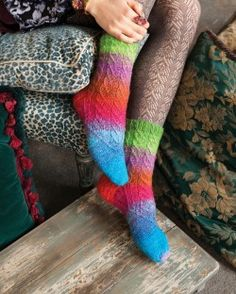 Noro Magazine #04 | Knitting Fever Yarns & Euro Yarns
