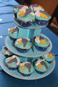 The cupcakes are rainbow. Potential for Storm cupcakes? Dessert Party, Party Desserts, 5th Birthday Party Ideas, 11th Birthday, Halloween Birthday, Birthday Cakes, Holiday Cupcakes, Yummy Cupcakes, Soccer Cupcakes