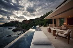 contemporist - modern architecture - cc arquitectos - finestre villas - ixtapa zihuatanejo - mexico - exterior view - swimming pool & deck