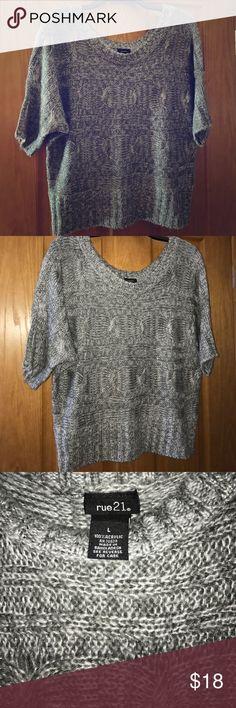 Cropped Short Sleeve Sweater Large Gray Short Sleeve Cropped Sweater (Never Worn) Rue 21 Tops Crop Tops