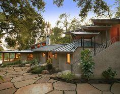 Santa Barbara, California - based Giffin & Crane General Contractors designed this contemporary single family residence located  in Montecito.