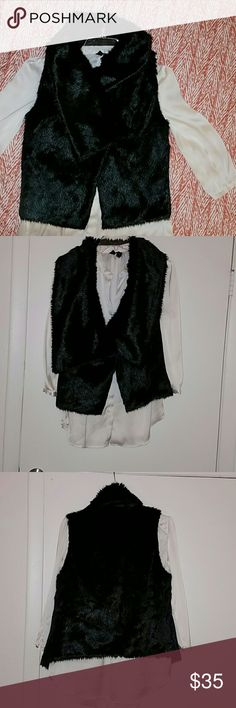 Price droDROP alert ☡☡☡STEVE MADDEN FAUX FUR VEST sleeveless STEVE MADDEN FAUX fur vest, very nice, in mint condition, small rip in inside you barely can see ( see picture) Steve Madden Jackets & Coats Vests