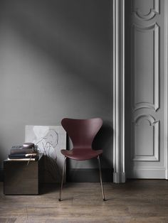 Fritz Hansen's Choice 2017 - Series 7™ Merlot - in a deep, dark and enchanting colour.