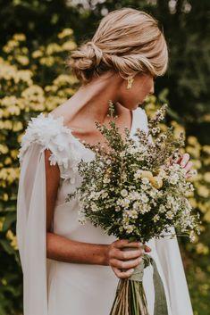 """Oriental Flower"" – Vietnamese inspired bridal gown collection by Lorena Merino Wedding Bells, Boho Wedding, Wedding Bride, Wedding Gowns, Dream Wedding, Simple Wedding Bouquets, Oriental Flowers, Weeding Dress, Bridal Flowers"