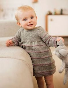 Knit the sweetest baby dress (Danish). Knitting For Kids, Baby Knitting Patterns, Baby Barn, Knit Baby Dress, Little Girl Dresses, Baby Sewing, Crochet Baby, Baby Kids, Kids Outfits