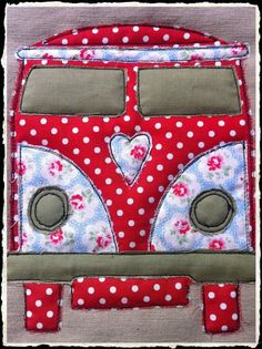 I love the red and white polka dots on the VW camper wall hanging . i chose this one because of the roses as im planning to use roses on my wall hanging. I like the colours on the wall hanging it looks very effective. Sewing Appliques, Applique Patterns, Applique Designs, Quilt Patterns, Free Motion Embroidery, Embroidery Applique, Machine Embroidery, Fabric Crafts, Sewing Crafts