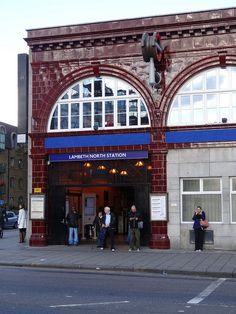 LAMBETH NORTH TUBE STATION | LAMBETH | LONDON | ENGLAND: *London Underground: Bakerloo Line* Photo: Randomly London; randomlylondon.com
