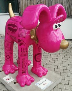 Gromit Unleashed Bristol England - Fun facts, secrets, figures and trivia about Aardman Animations cover Stat's the Way to do it, Lad!, designed by Aardman Senior Designer Gavin Strange!