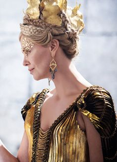 Ravenna, the Evil Queen - Charlize Theron in The Huntsman: Winter's War (2016).