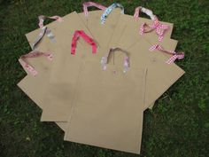 Papiertüten statt Plastik, um auf dem Handwerkermarkt alles liebevoll zu verpacken.