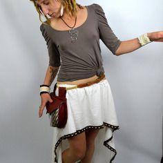 """Jupe asymétrique """"ariwa"""" ou sur-jupe coton ancien blanche ornée de dentelle perlée"""