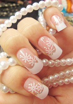 Snowflake french manicure