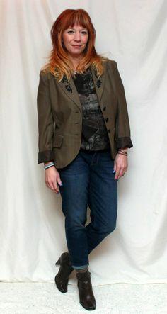 Fashion Fairy Dust boyfriend jeans, brown blazer, brown herringbone blazer, graphic tee, brown ankle boots