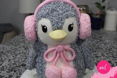 Baby Pinguin Kuchen Tutorial - New Ideas Cake Decorating Videos, Birthday Cake Decorating, Cute Cakes, Yummy Cakes, Penguin Birthday, Penguin Cakes, Baby Penguins, Penguin Baby, Animal Cakes