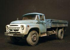 ЗИЛ-130 — Каропка.ру — стендовые модели, военная миниатюра Stealth Bomber, Miniature Cars, Lego Models, Abandoned Cars, 4x4 Trucks, Diorama, Plastic Models, Old Cars, Scale Models
