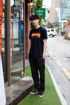 TSHIRT | THRASHER PANTS | THISISNEVERTHAT SHOES | VANS Street Style Yeon Il, Seoul