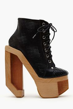 Alia Platform Boot - Black in What's New Shoes at Nasty Gal