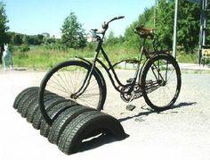 bike rack made of old tires - Buy Nothing New - www.buynothingnew.nl #ontdekwatjhebt #bnnm13