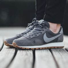 """Titolo Sneaker Boutique auf Instagram: """"NEW IN! Nike Wmns Air Pegasus 83 - Dark Grey/Stealth-Black available now in-store and online @titoloshop Berne 