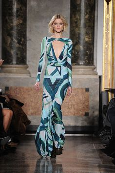 Inspiration: Pucci Fall 2011. Colour is still all the rage, but with a spin: it's all about graphic prints and tonal similarities. Easy glamour!