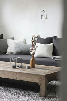 Grey sofa | natural wooden table
