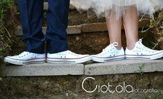 Oggi sposi... con converse perdonalizzate ...per fare foto ricordo originali