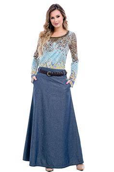 Conjunto Look Saia Jeans E Blusa Estampada Via Tolentino Modest Dresses, Modest Outfits, Simple Dresses, Cool Outfits, Denim Skirt Outfits, Jeans Dress, Dress Skirt, Hijab Style Tutorial, Hijab Fashion