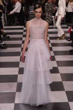 Christian Dior Spring 2018 Couture Fashion Show Collection
