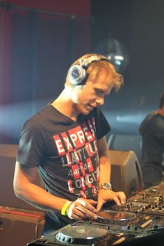 Armin van Buuren Love AvB? Visit http://trancelife.us to read our latest #ASOT reviews.