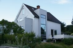 Bilderesultat for fasade endring hus Extension Ideas, Home Projects, Garage Doors, Shed, New Homes, Outdoor Structures, Architecture, Outdoor Decor, House