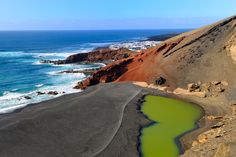 Charco de los Clicos o Charco verde (Lanzarote, Islas Canarias) Spain And Portugal, Photography Poses, Places Ive Been, Beautiful Places, Around The Worlds, Island, Adventure, Water, Outdoor