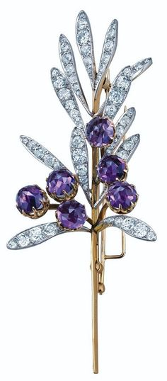 creations of Lalique, but it's nice to see his work with gems and precious metals too, as in this 1894 spray brooch for Tiffany. It's composed of 12 platinum leaves set with diamonds, and 6 rose-cut amethysts set in gold. Bijoux Art Nouveau, Art Nouveau Jewelry, Jewelry Art, Fine Jewelry, Jewelry Design, Vintage Brooches, Vintage Jewelry, Antique Jewellery, Ring Armband