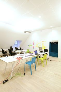 Chairs are painted pastel color in Open Plan Office :) #openplanoffice Cubicles.com