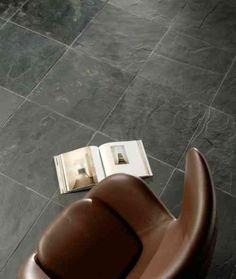 sol ardoise pour salle de bains en pierre