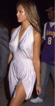 Jessica Alba with No Nipple Coverage