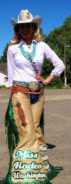 ❦Miss Rodeo Washington. What I'd give to have and be what she has. Rodeo queen, rodeo, no doubt beautifully trained horses and beauty!!