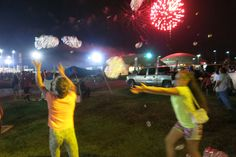 Fireworks and bubbles ! Big Bubbles, World's Biggest, Solar Power, Fireworks, Tower, Entertainment, Concert, Rook, Solar Energy