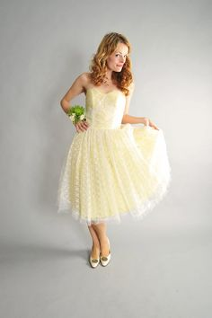 vintage 1950s lace and tulle strapless prom dress by coralvintage, $224.00