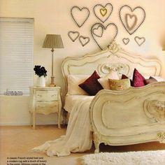 cute bedroom decor!