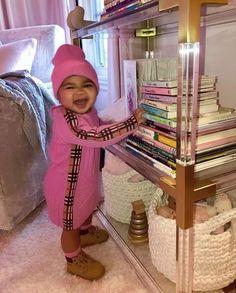 Khloe Kardashian shares adorable new photos of baby True as she clocks 10 months - NaijaDome Khloe Kardashian And Tristan, Kardashian Family, Kardashian Jenner, Kylie Jenner, Jenner Kids, Jenner Family, Cute Photos, Baby Photos, Save The Children